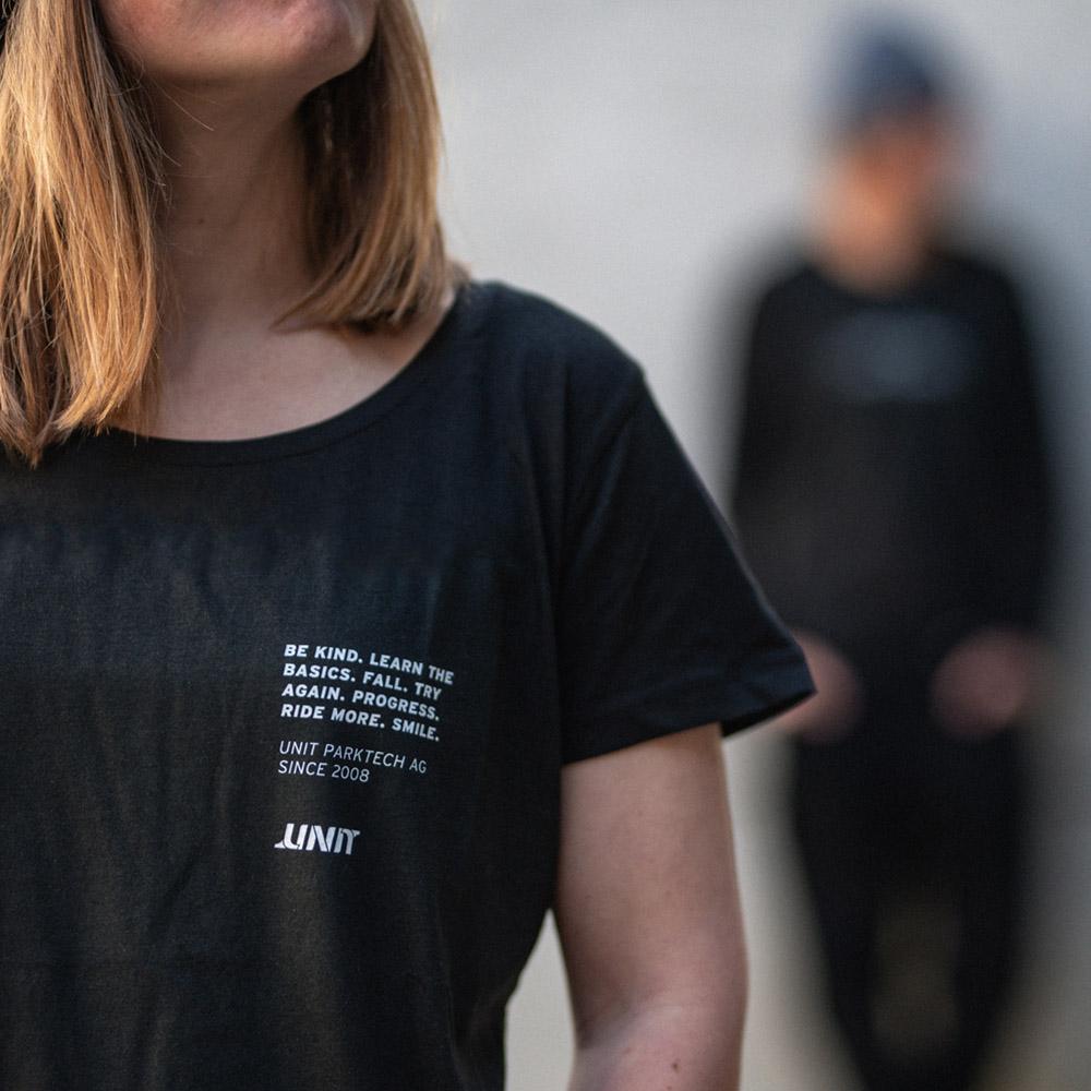 T-Shirt - UNIT GRL Be Kind